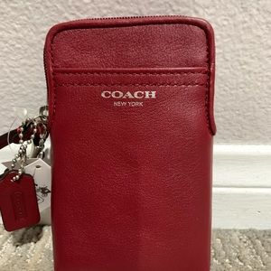 NWT Coach Leather Zip Around Cell Phone Wallet